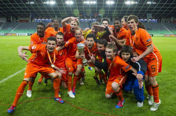 Dutch U-17 players celebrate after winning the UEFA European Under-17 Football Championship final match between Germany and Netherlands in Ljubljana on May 16, 2012. AFP PHOTO/Jure Makovec