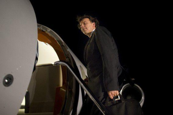 Speciaal gezant van de VN-missie in Mali, Bert Koenders, arriveert op het vliegveld van Gao.