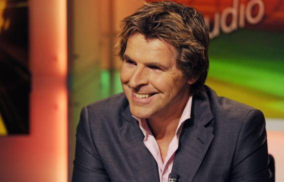Vorige week werd bekend dat Toine van Peperstraten en AVRO-directeur Peter Lubbers overstappen naar Fox, dat de tv-rechten van de eredivisie in handen heeft.