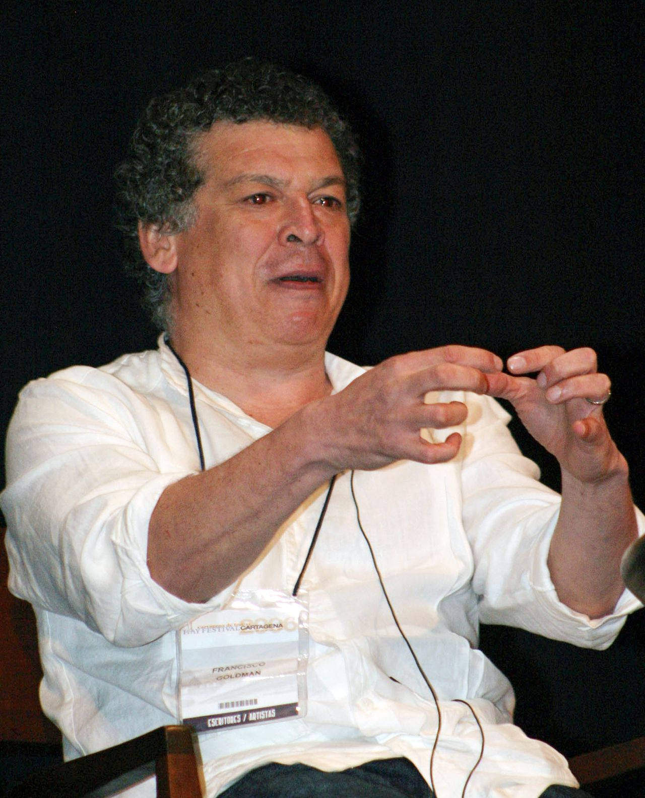 Writer Francisco Goldman talks to audience during the Hay Literary Festival in the Caribbean city of Cartagena, in Colombia January 28, 2006. REUTERS/Fredy Builes