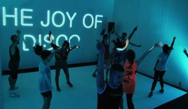 Dit jaar ook in Amsterdam: dansen op het podium tijdens Sweet Fever, juli in Berlijn in 2016