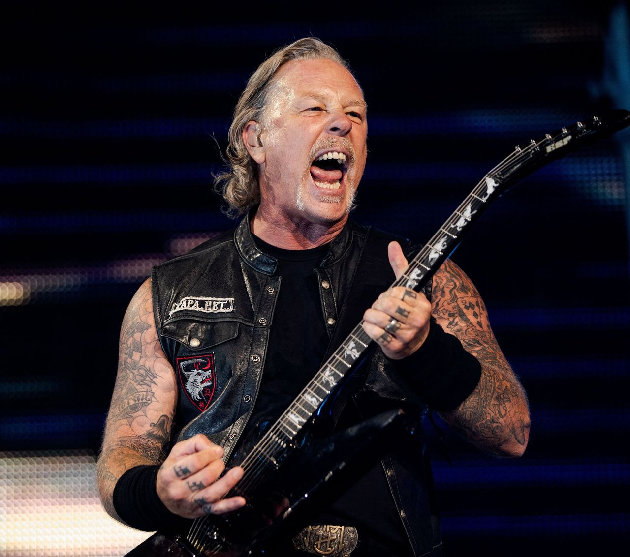 Zanger en gitarist James Hetfield van Metallica tijdens een optreden in 2019.