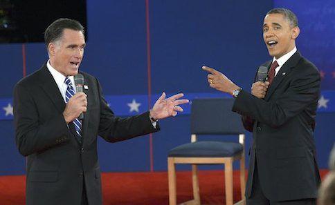 Mitt Romney en Barack Obama tijdens het tweede debat voor de verkiezingen van 2012.