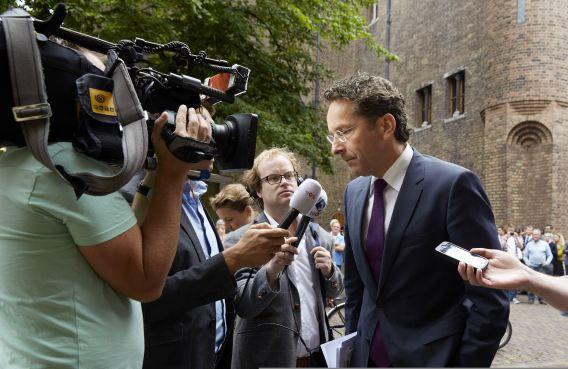 Minister Jeroen Dijsselbloem van Financien komt aan op het Binnenhof voor de begrotingsraad.