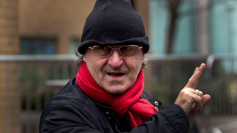 Di Stefano op archiefbeeld van januari 2012 terwijl hij de rechtbank on Londen verlaat na een hoorzitting over destijds zijn borgtocht.