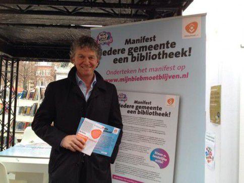 Tweede Kamerlid Jacques Monasch (PvdA) bij presentatie manifest 'Mijn bieb moet blijven' in Den Haag op dinsdag 18 maart 2014.