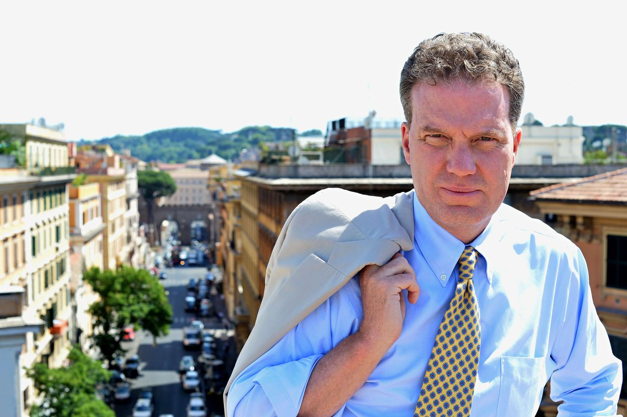 Fox News journalist US Greg Burke, poses in Rome on June 25, 2012. Greg Burke, 52, will leave Fox to become a senior communications adviser in the Vatican's secretariat of state. Burke will help integrate communications issues within the Vatican's top administrative office, and will help handle its relations with the Holy See press office and other Vatican communications offices. AFP PHOTO / ALBERTO PIZZOLI