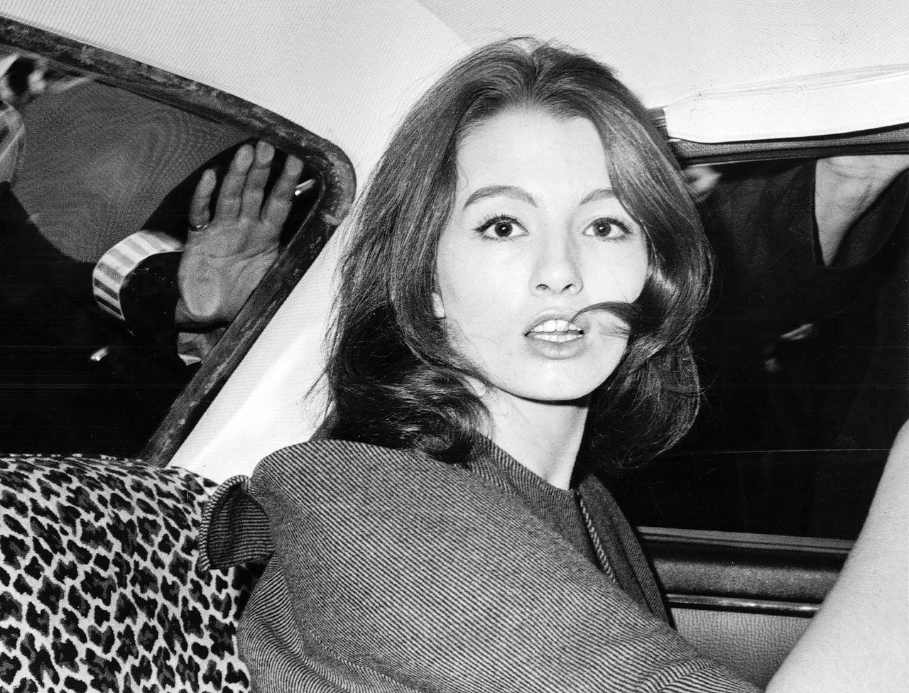 Archieffoto van Christine Keeler uit 1963, het jaar dat de Profumo-affaire aan het licht kwam.