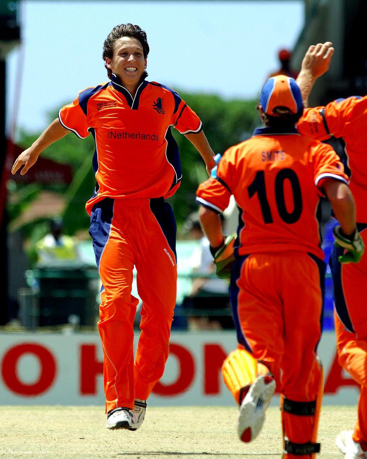 Netherlands' Mark Jonkman celebrates the dismissal of Scotland's Colin Watson, unseen, during the Cricket World Cup Group A match at Warner Park, Basseterre, St Kitts, Thursday March 22, 2007. (AP Photo/Rui Vieira, PA) ** UNITED KINGDOM OUT **
