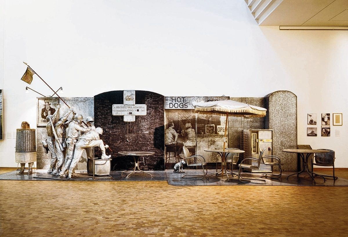 Edward Kienholz, The Portable War Memorial, 1968. 290 × 975 × 244 cm.