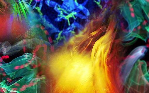 """Bunte Farben und Lichter vermischen sich (Fotoillustration vom 15.04.03). Vor 60 Jahren am 16. April 1943 wird die Droge von dem Schweizer Chemiker Albert Hofmann entdeckt. Die bewusstseinsveraendernde Wirkung im einem Selbstversuch beschreibt der Wissenschaftler als """"bunte, phantastische Gebilde"""", die auf ihn eindrangen. Waehrend der Hippiebewegung in den 60er und 70er Jahren wird LSD zu Massendroge. Fotoillustration: ddp"""