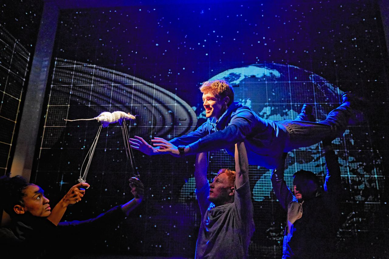 Scène uit 'The Curious Incident of the Dog in the Night-Time' Foto Brinkhoff-Moegenburg