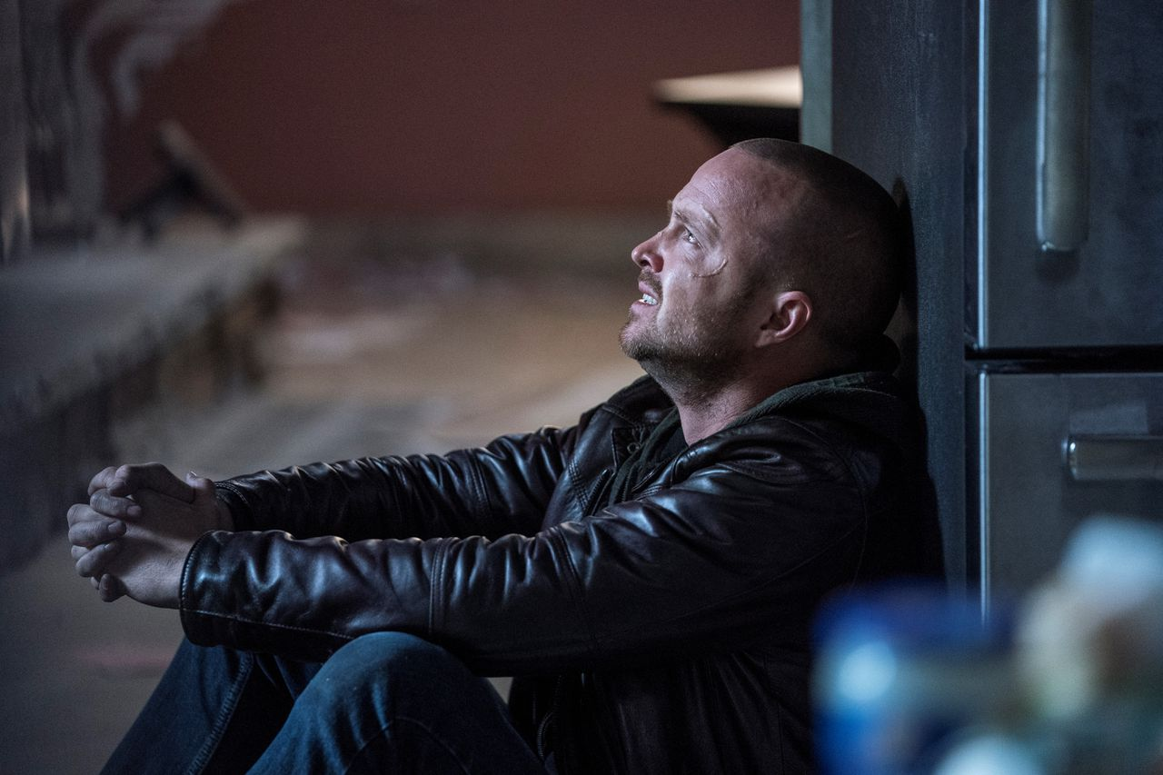 In El Camino is drugskok Jesse Pinkman (Aaron Paul) op de vlucht.