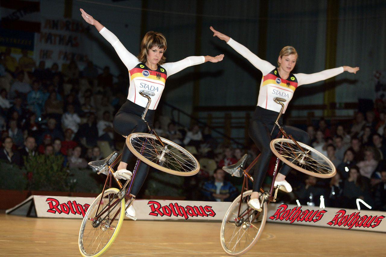 Twee deelnemers uit Duitsland bij het WK kunstfietsen van vorig jaar.