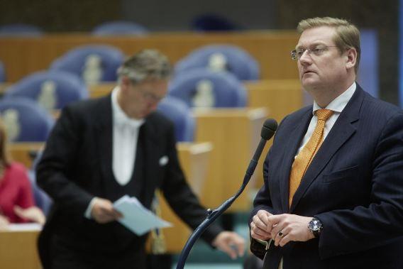 Ard van der Steur pleit voor een landelijk register voor mediators om de kwaliteit en transparantie van mediation zeker te stellen.