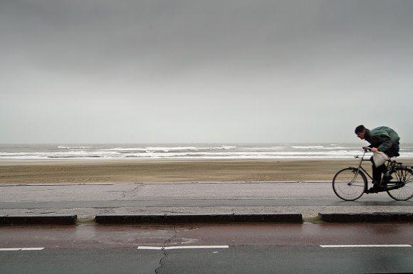 Den Haag/Scheveningen:11.1.7 Storm. © foto/Roel Rozenburg