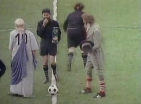 Sketch uit Monty Python: The Philosophers' Football Match (1972).