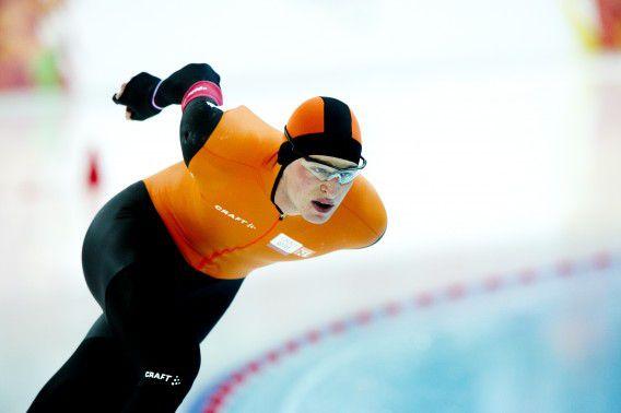 Sven Kramer tijdens zijn rit op de 10000 meter in de Adler Arena tijdens de Olympische Winterspelen. Kramer behaalde de zilveren medaille.
