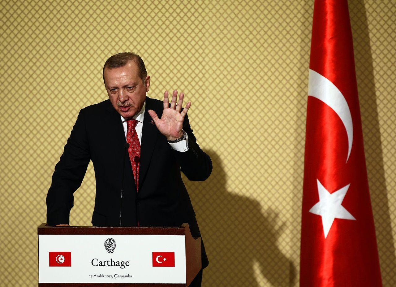 Erdogan op een persconferentie, woensdag in Tunesië.
