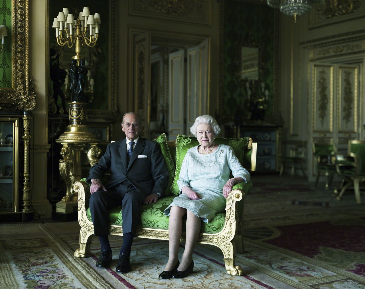 Britain's Queen Elizabeth (R) and Prince Charles pose in a National Portrait Gallery-commissioned photograph by Thomas Struth, released in London June 23, 2011. The portrait was unveiled as part of its touring exhibition The Queen: Art & Image, which opens on Saturday 25 June at the Scottish National Gallery, Edinburgh. REUTERS/© Royal Household/ Thomas Struth/handout (BRITAIN - Tags: ROYALS SOCIETY) ONE TIME USE ONLY IN CONNECTION WITH EXHIBITION THE QUEEN:ART AND IMAGE NO SALES. NO ARCHIVES. FOR EDITORIAL USE ONLY. NOT FOR SALE FOR MARKETING OR ADVERTISING CAMPAIGNS. THIS IMAGE HAS BEEN SUPPLIED BY A THIRD PARTY. IT IS DISTRIBUTED, EXACTLY AS RECEIVED BY REUTERS, AS A SERVICE TO CLIENTS. NO THIRD PARTY SALES. NOT FOR USE BY REUTERS THIRD PARTY DISTRIBUTORS. TEMPLATE OUT
