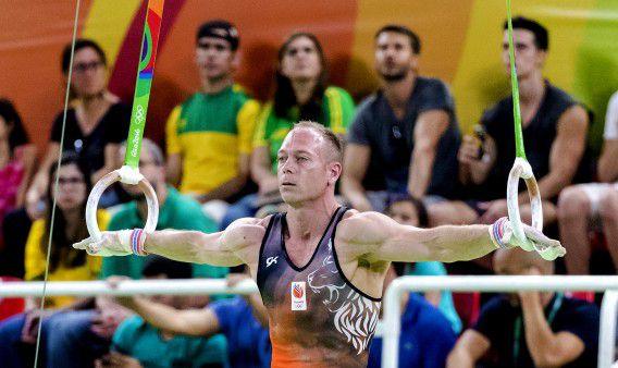 Yuri van Gelder aan de ringen tijdens de kwalificatie turnen in de Rio Olympic Arena tijdens de Olympische Spelen in Rio.