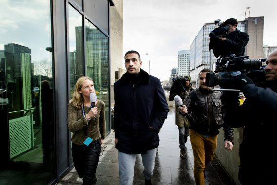 Badr Hari komt aan bij de rechtbank in Amsterdam op de slotdag van de rechtszaak tegen de kickbokskampioen.