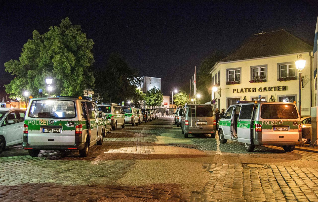 Politieauto's na de aanslag in Ansbach.