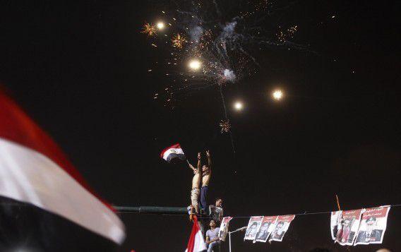 Anti-Morsi-demonstranten vieren feest op het Tahrirplein.