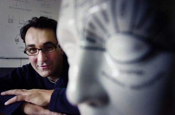 Toenmalig onderzoeker aan de Rijksuniversiteit Groningen Diederik Stapel, in 2002.