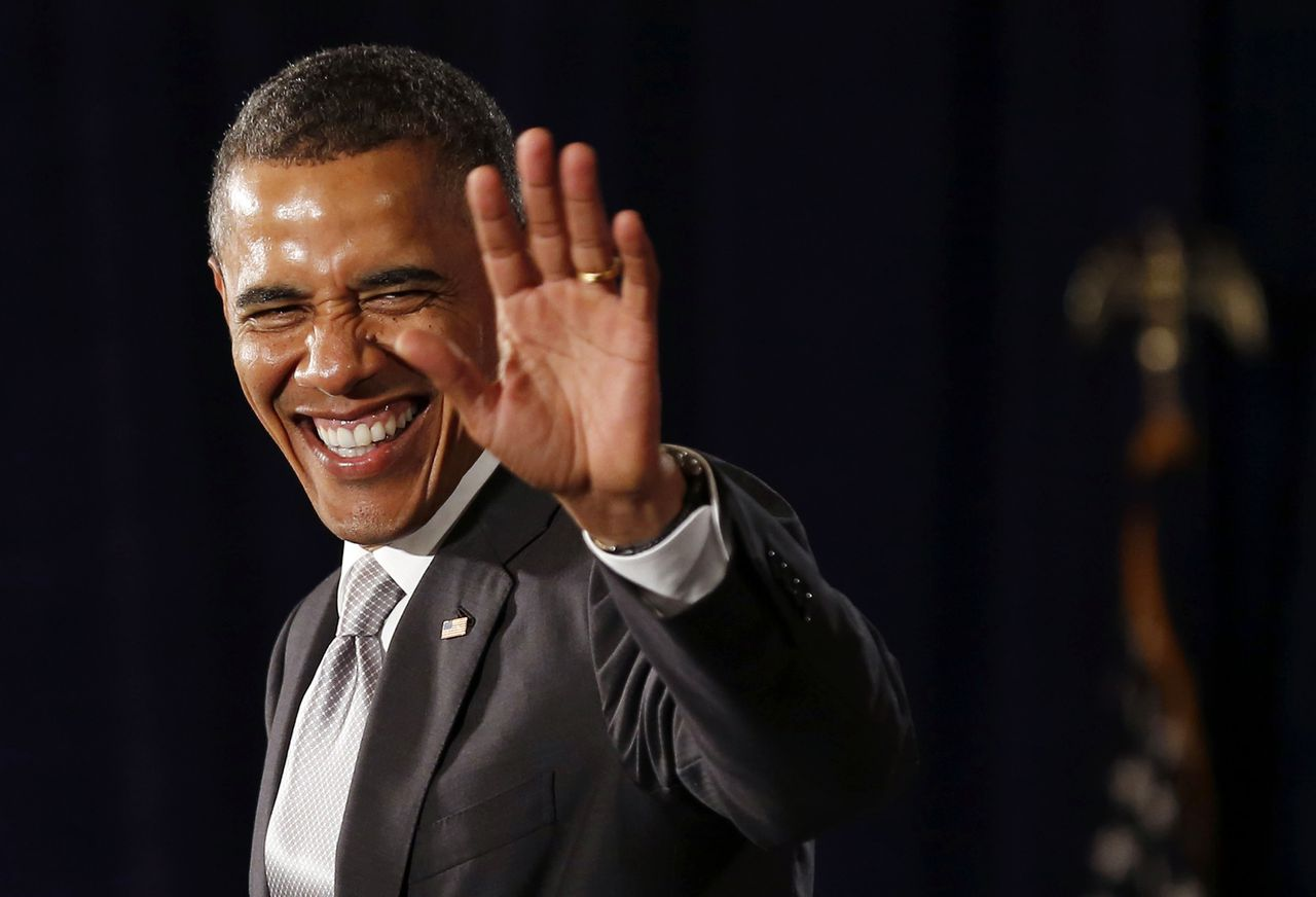 U.S. President Barack Obama waves before he speaks at an Obama Victory Fund Reception at the Westin Peachtree Plaza Hotel in Atlanta, Georgia, June 26, 2012. REUTERS/Larry Downing (UNITED STATES - Tags: POLITICS)