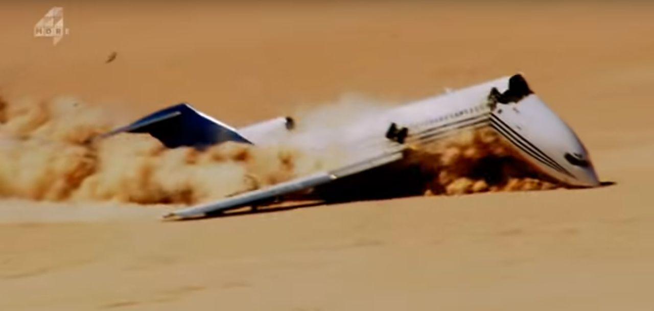 Tijdens de crash brak de Boeing 727 doormidden.