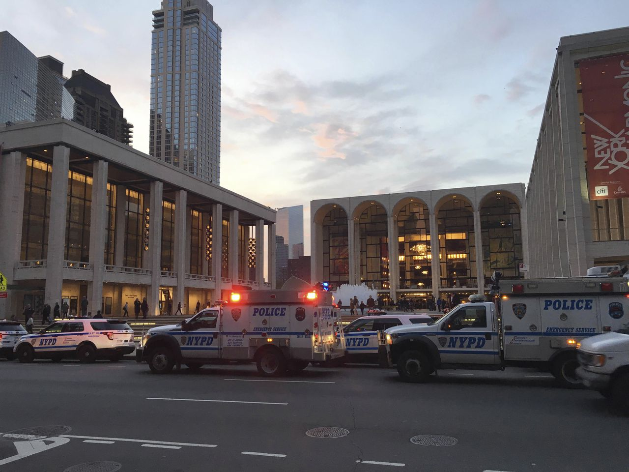 De ontruiming van de Metropolitan Opera in New York.