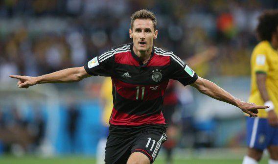 Klose na zijn goal tegen Brazilië: het was de zestiende die de spits op een WK scoorde.