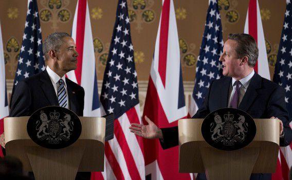 President Barack Obama en de Britse premier David Cameron bespreken de gevolgen van een Brexit tijdens een persconferentie in Londen.