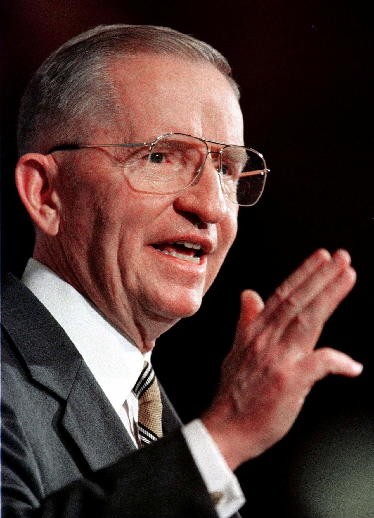 Ross Perot spreekt Amerikaanse journalisten toe, in Washington, in 1996.