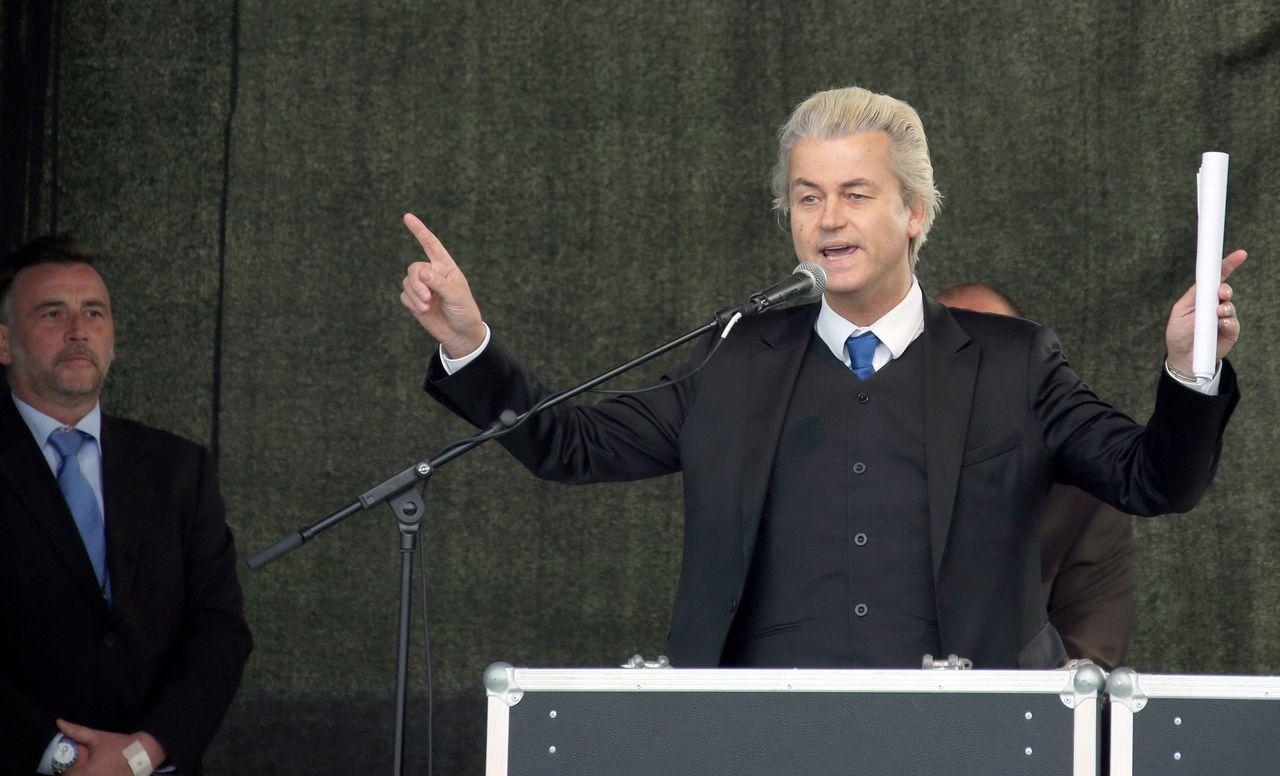 Wilders gisteravond tijdens zijn toespraak tot de Pegida-aanhangers in Dresden.