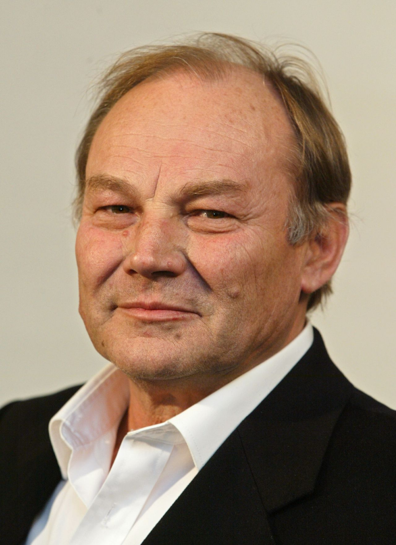 "Klaus Maria Brandauer Portrait of German actor Klaus-Maria Brandauer, taken 05 May 2003 in Hamburg during a photocall of a production of German TV ARD ""Im Visier des Boesen"" (""In the Eye of the Evil"")."