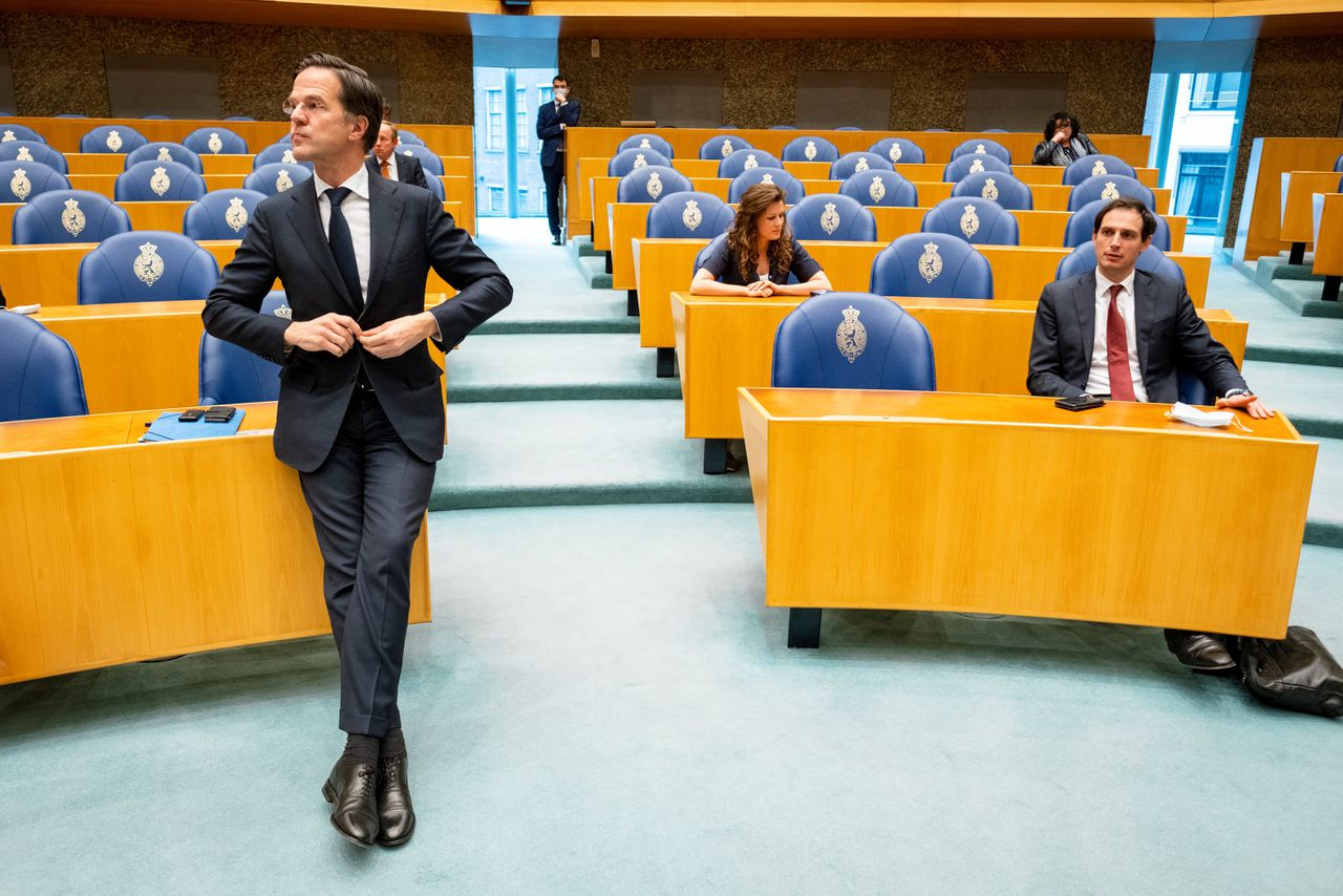 Mark Rutte in de plenaire zaal.
