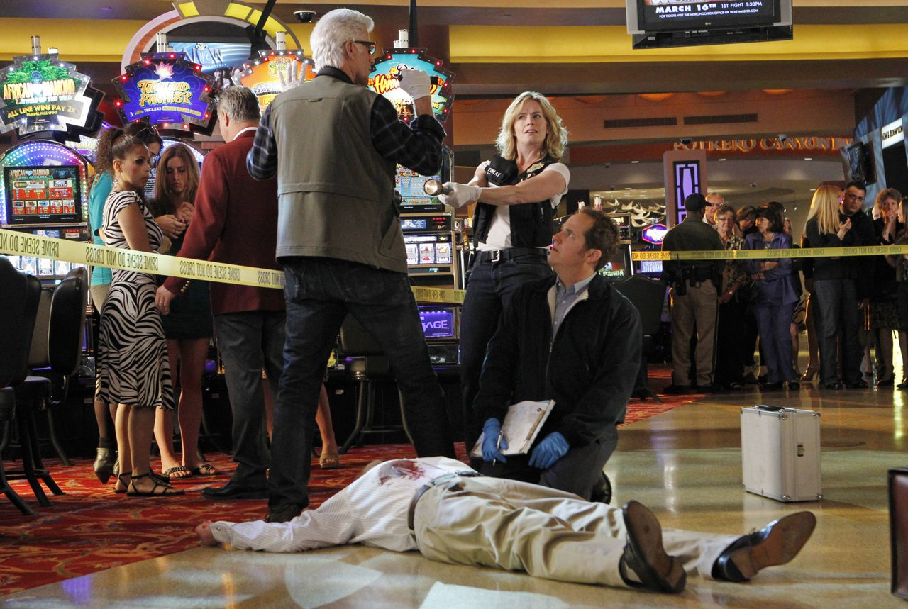 """""""Split Decision"""" -- D.B. Russell (Ted Danson), Julie Finlay (Elisabeth Shue) and David Phillips (David Berman) during an investigation, on CSI: CRIME SCENE INVESTIGATION, Wednesday, April 4 (10:00-11:00 PM, ET/PT) 2012 on the CBS Television Network. Photo: Sonja Flemming/CBS ©2012 CBS Broadcasting, Inc. All Rights Reserved."""