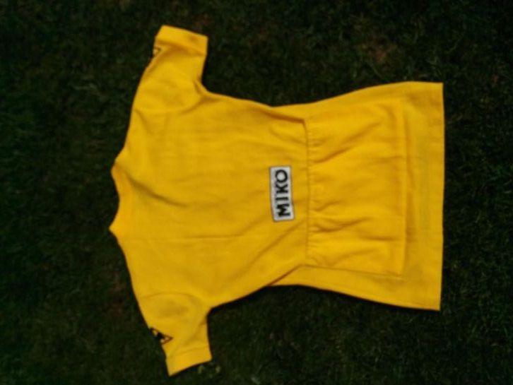 op voet beelden van heet product laagste korting Te koop: een wollen gele trui uit de Tour - van Joop ...