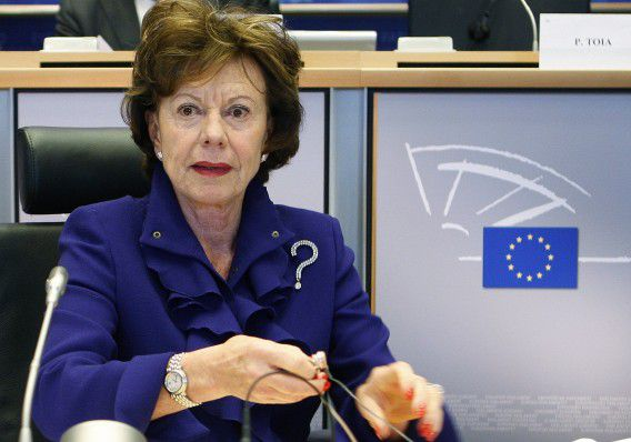 European Digital Agenda Commissioner-designate Neelie Kroes of the Netherlands waits to address the European Parliament Industry, Research and Energy committee in Brussels January 14, 2010. Candidates for posts in the next European Commission will be closely questioned on policy and plans to pull Europe out of economic crisis when the European Parliament opens confirmation hearings next week. REUTERS/Thierry Roge (BELGIUM - Tags: POLITICS)