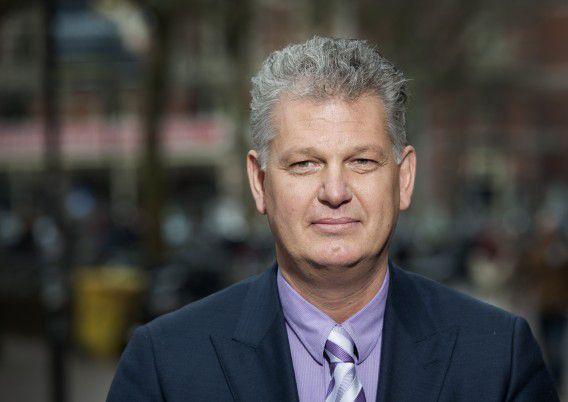 Hero Brinkman, amper een maand werkzaam bij de politie, zegt nu alweer terug de politiek in te willen.