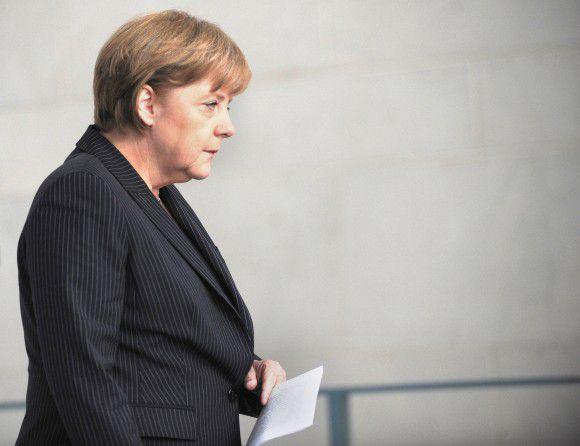 De Duitse groei is bijna stilgevallen. Vandaag komen Merkel en Sarkozy bijeen om te praten over maatregelen die de eurocrisis moeten bezweren.