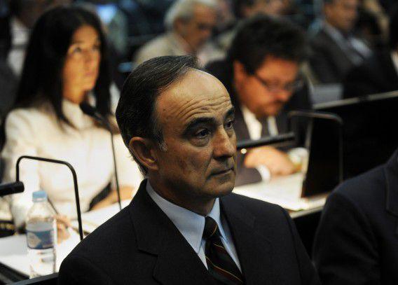 Oud-Transaviapiloot Julio Poch in de rechtbank in Argentinië.