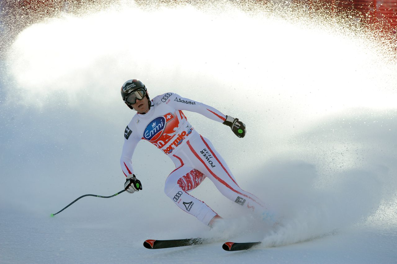 Austria's Michael Walchhofer crosses the finish line of the Men's World Cup Downhill in Bormio on December 29, 2010. Walchhofer won the event. AFP PHOTO / GIUSEPPE CACACE
