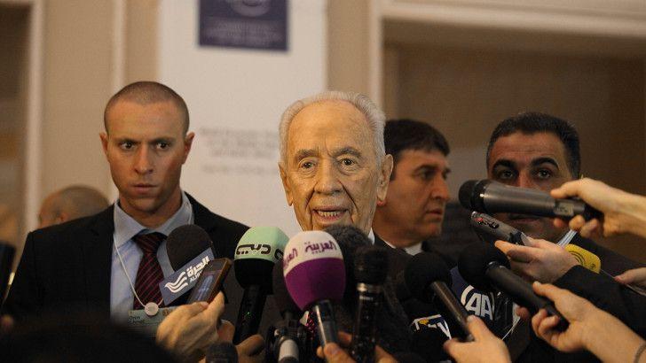 Shimon Peres vandaag tegenover de pers.