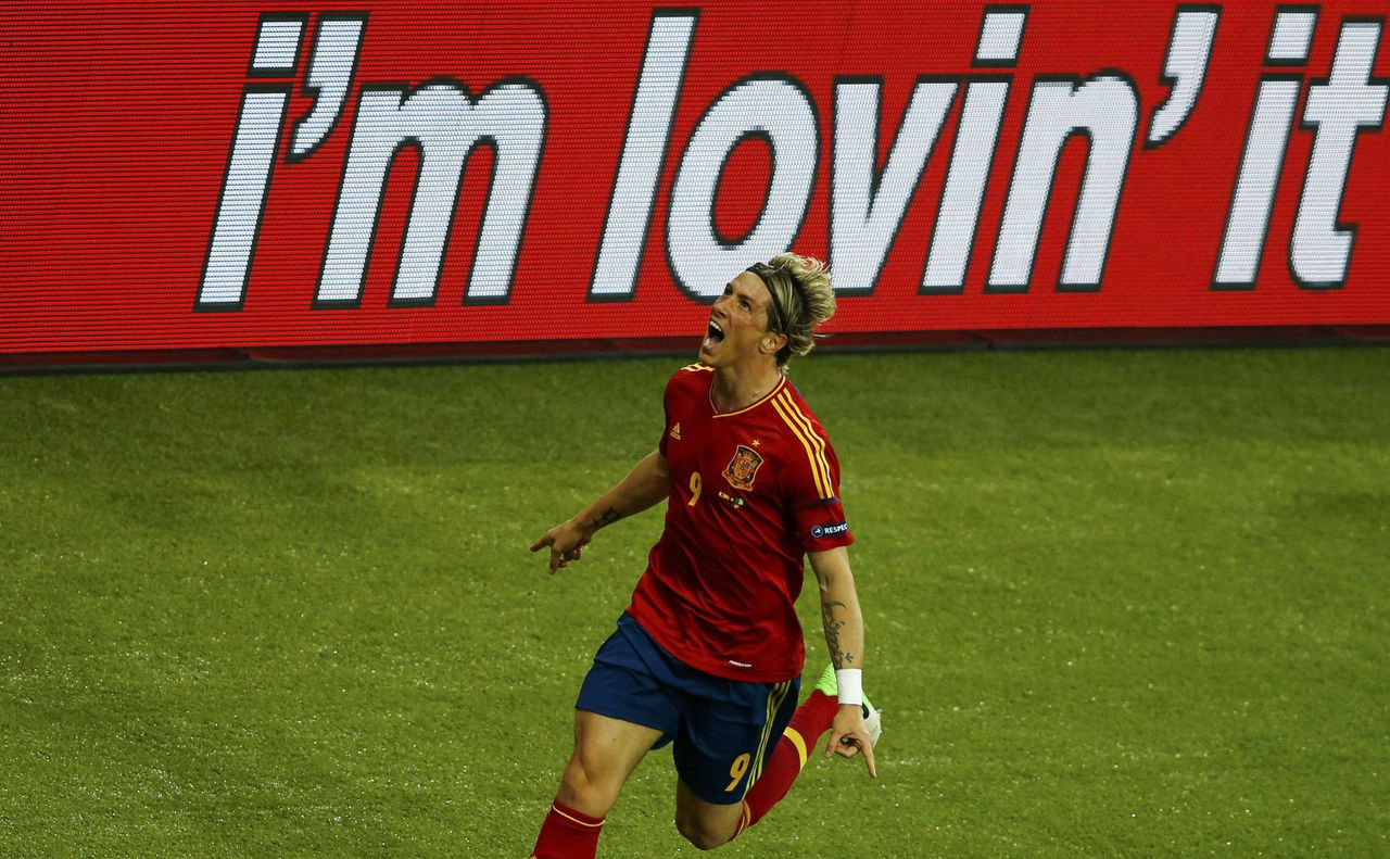 Spain's Fernando Torres celebrates his goal during their Euro 2012 final soccer match against Italy at the Olympic Stadium in Kiev July 1, 2012. REUTERS/Michael Dalder (UKRAINE - Tags: SPORT SOCCER)