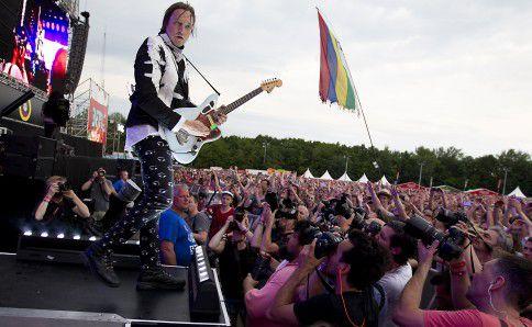 De Canadese rockband Arcade Fire tijdens hun optreden op muziekfestival Pinkpop, eerder dit jaar.