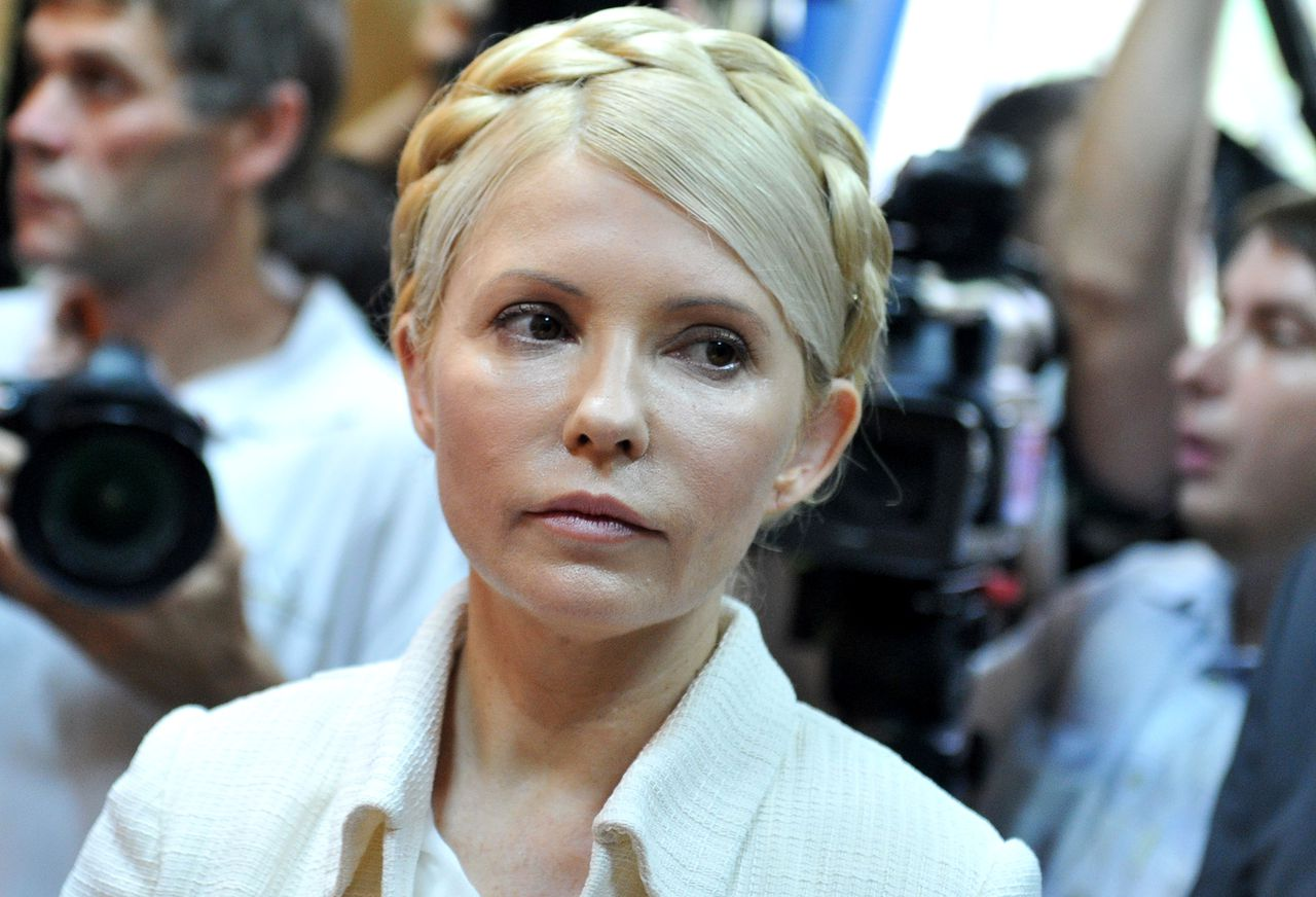 (FILES) This file photo taken on June 24, 2011, shows Ukraine's ex-prime minister Yulia Tymoshenko looking on at the beginning her court hearing in Kiev. Ukraine's jailed opposition leader Yulia Tymoshenko said on October 29, 2012 she was starting a hunger strike to protest against violations in parliamentary polls in which the ruling party has taken a decisive lead. AFP PHOTO / SERGEI SUPINSKY