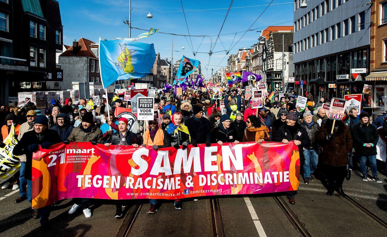 Deelnemers aan een landelijke demonstratie tegen racisme, 21 maart